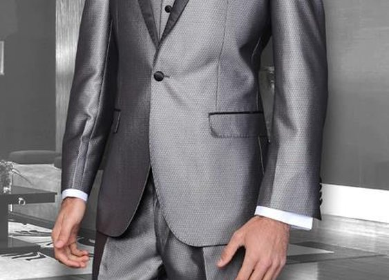 Affordable Three Piece Modern Fit Suit With Sharkskin Vest In Gray Color