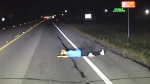 Intoxicated woman sleeping on Texas road narrowly escapes being hit by cars, dashcam video shows | Fox News