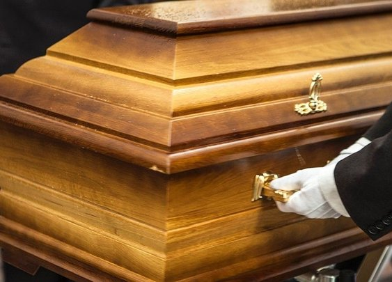 So you had a bad day,Man serving as pallbearer crushed to death by mother's falling coffin