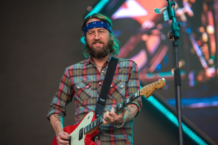 Foo Fighters' Chris Shiflett to Sell Guitars From Personal Collection