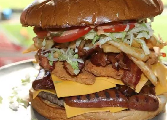 Could you eat the Arizona Cardinals' 7-pound burger challenge?