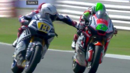 Romano Fenati: Moto2 rider apologizes for grabbing rival's brake - CNN