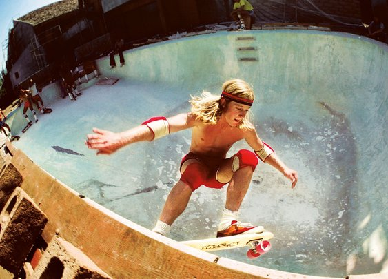 Hugh Holland's Sun-Drenched Photos of California Skaters, 1975-78 - Flashbak
