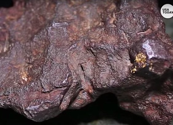 Man finds out the rock he used as doorstop for 30 years is a meteorite worth $100,000