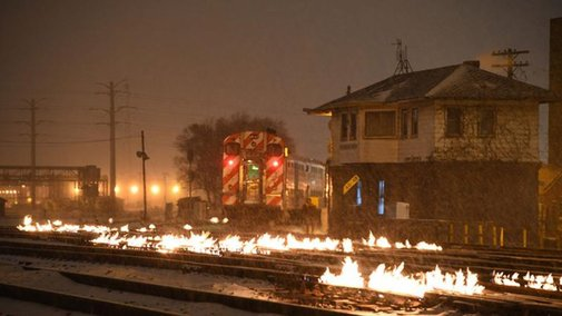 Chicago rail crews to use fire to keep trains moving