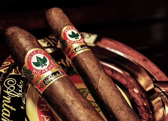 The Best Cigars for Summer | Cool Material