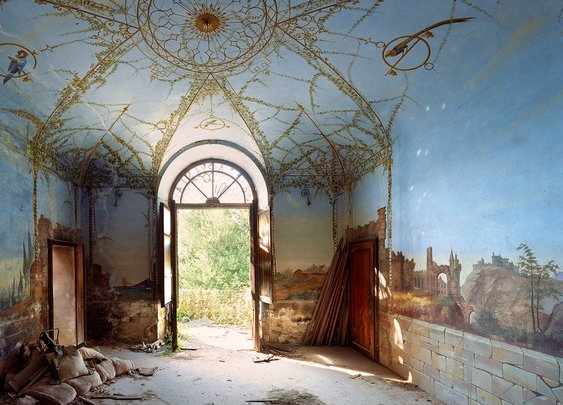 Peek Inside Abandoned Secret Mansions in Italy