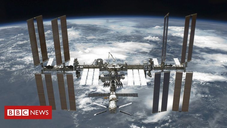 Nasa to open International Space Station to tourists - BBC News