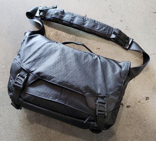 Triple Aught Design Parallax Messenger Bag 15L | Loadedpocketz