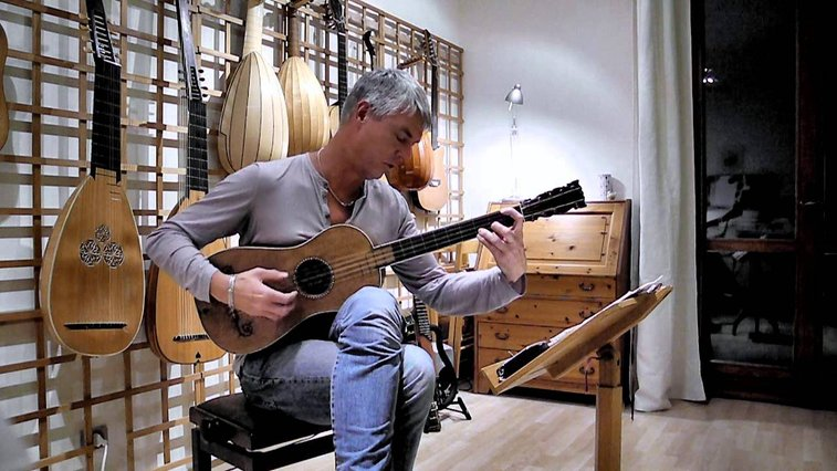 "Hear the Only Playable Stradivarius Guitar Left in the World ""The Sabionari"" Made in 1679"