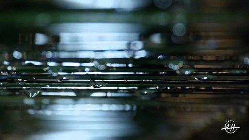 Erik Satie : Gnossienne n°1  Cristal Baschet - YouTube