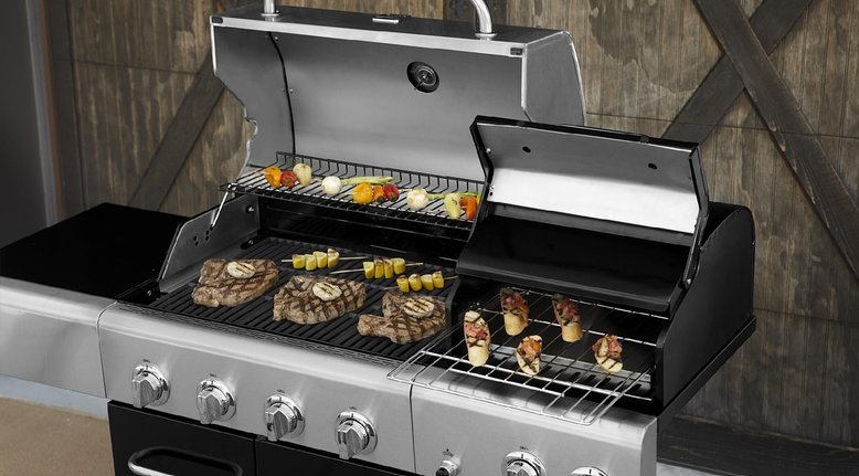 Kenmore 4 Burner Gas Grill with Oven $299.97
