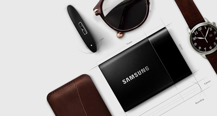 Samsung T1 Portable SSD - Smaller than a Business Card