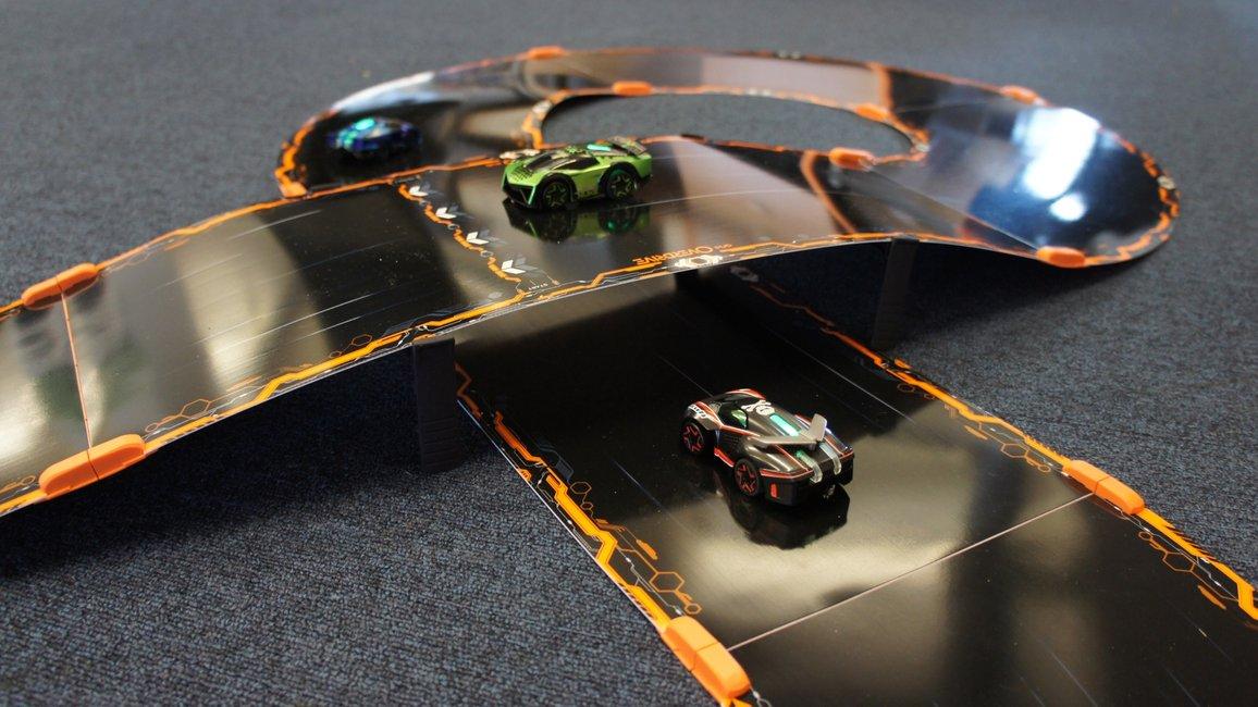 Smart Buy Auto >> App-Powered Battling Robotic Race Cars | Gentlemint Reserve