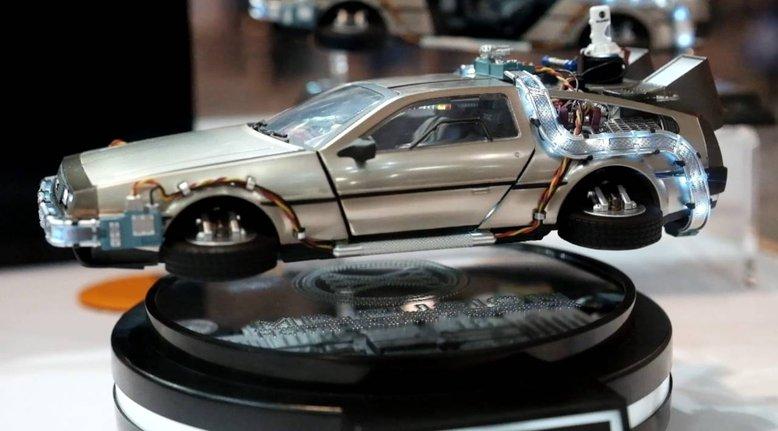 Levitating DeLorean Model