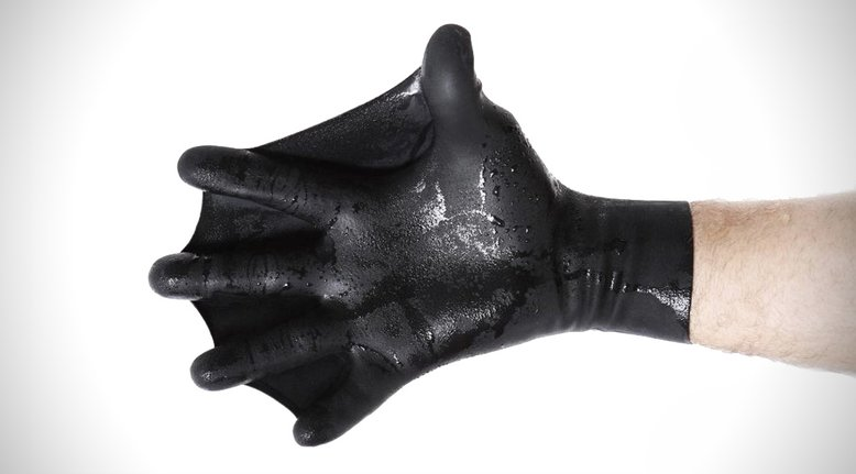 Webbed Swimming Gloves Turns You Into Aquaman